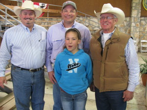 Volume buyer Larry Franke and his daughter of Karnes City, TX with Sale Chaiman, Joe Dillard (left) and TBBA President, Russ Williamson (right).